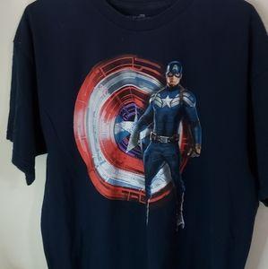 Mens XL captain america graphic tshirt